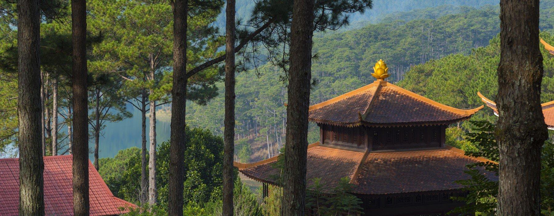 vn, dalat, truc lam pagode (1).jpg