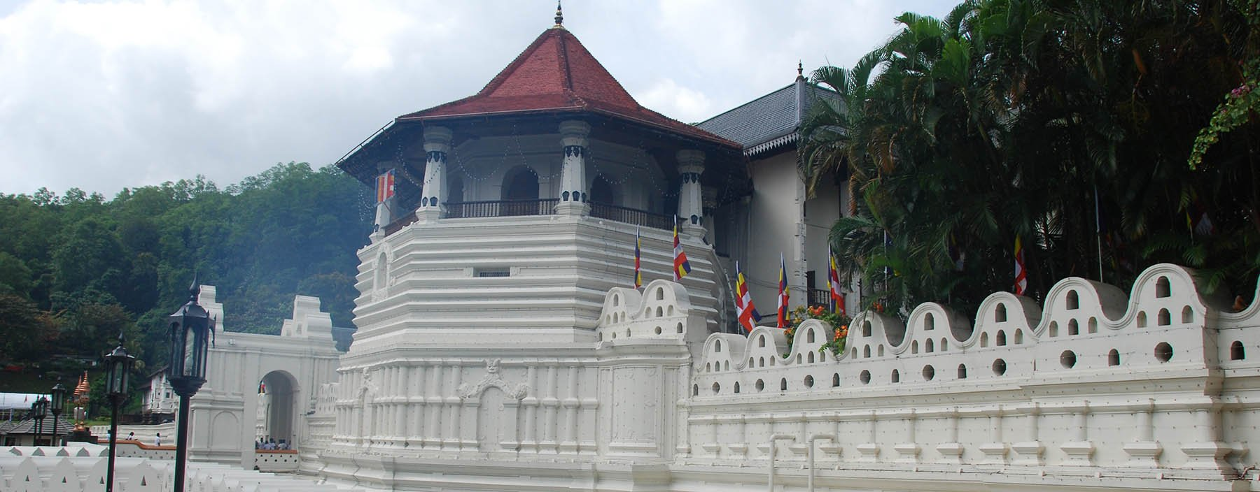 sri lanka, kandy, tempel van de tand (4).jpg