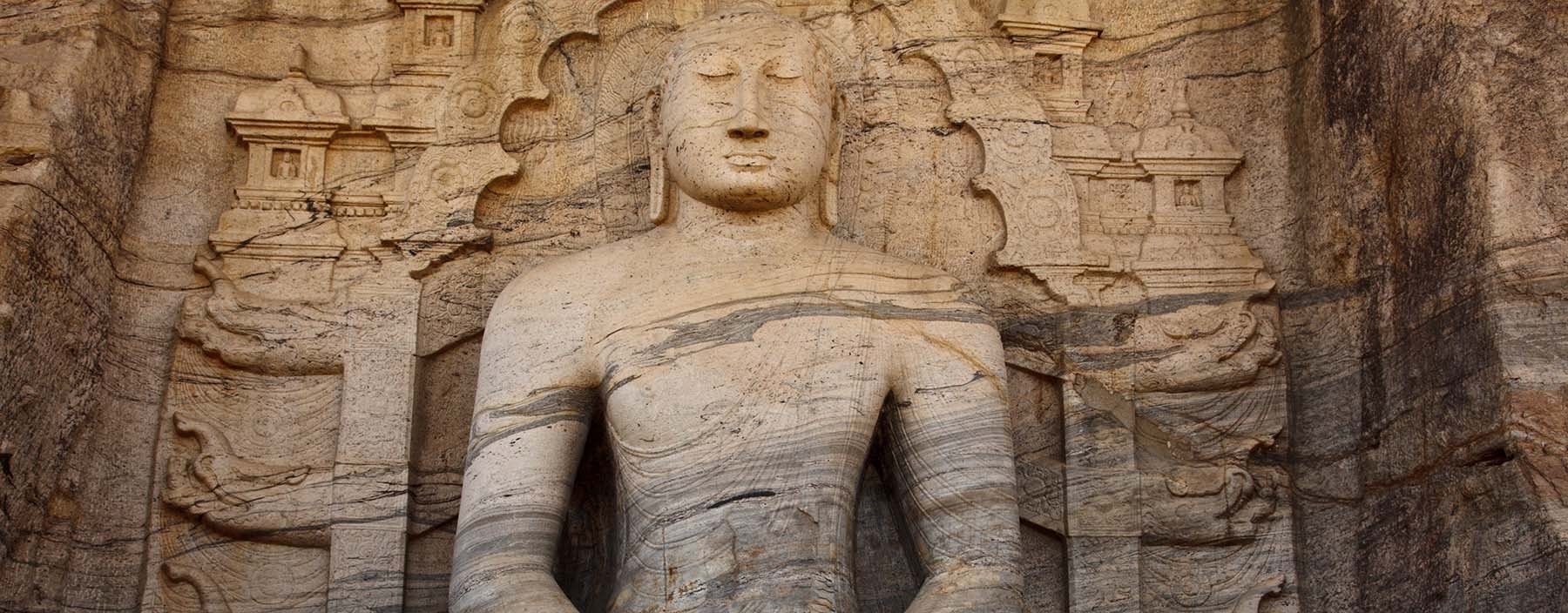 sri lanka, polonnaruwa, gal vihara statue (1).jpg