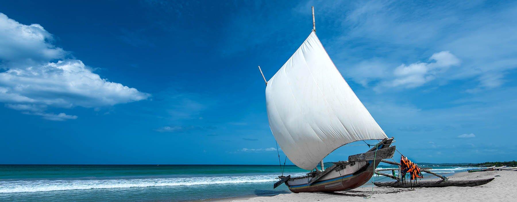 sri lanka, trincomalee, beach.jpg