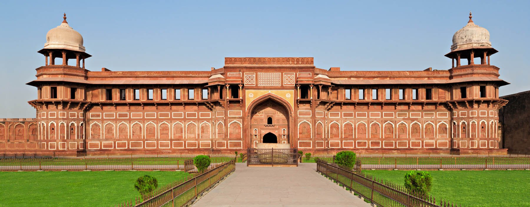 in, agra, jahangir palace inside the red fort in agra.jpg