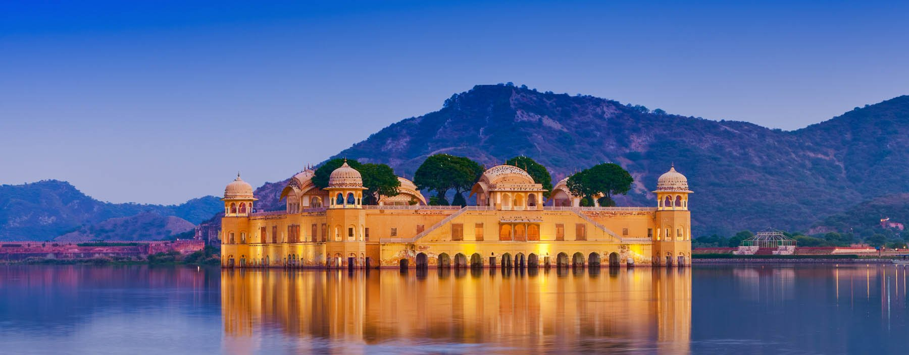in, jaipur, the palace jal mahal.jpg