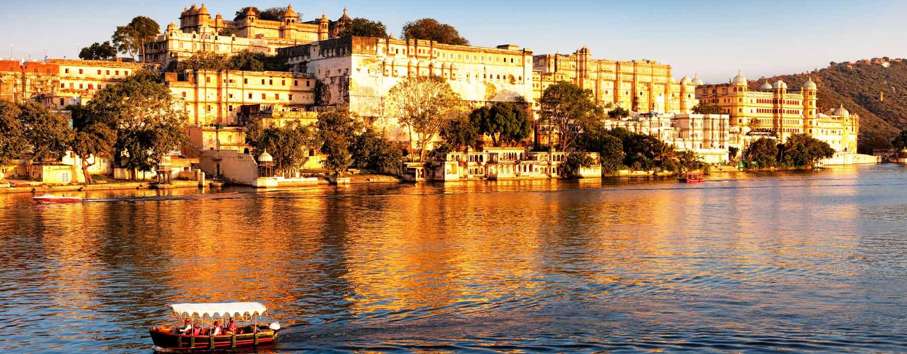 in, udaipur, lake pichola and city palace.jpg