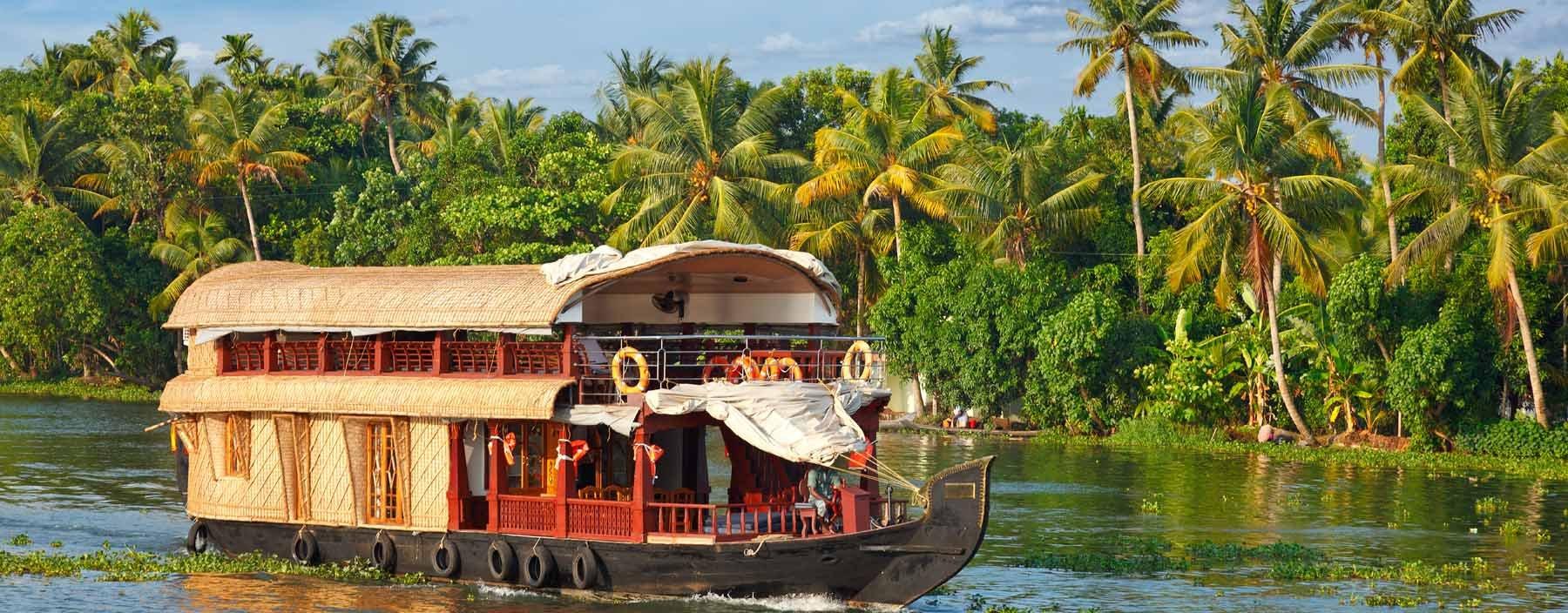 in, kerala, houseboat on kerala backwaters 2.jpg
