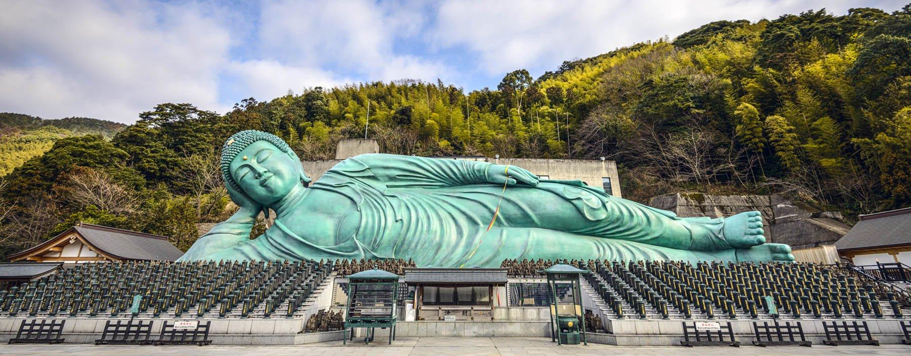 jp, fukuoka, de liggende buddha van nanzoin tempel.jpg